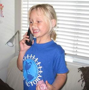 Barnbarnet ringer och talar om att tanden nu är borta ...