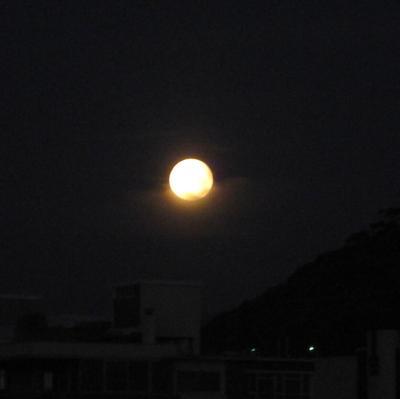 Månen är full ...